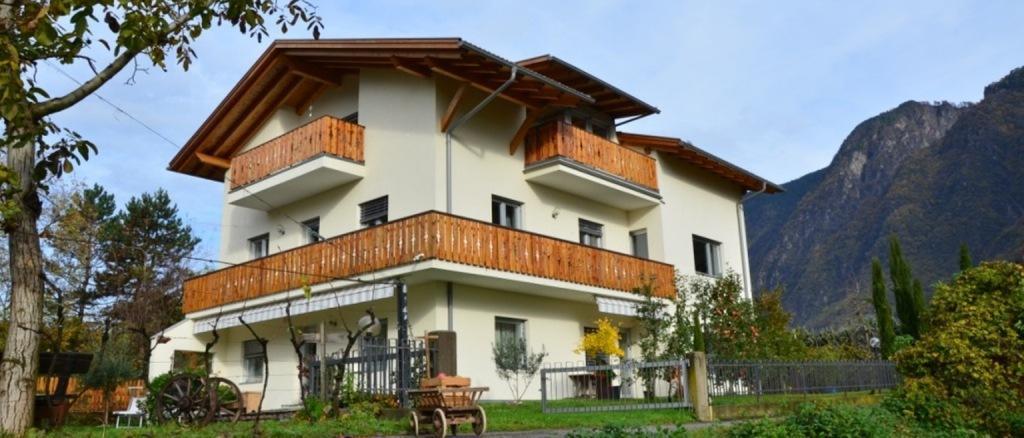 Agriturismo Höllerhof - Appartamenti Sud dell`Alto Adige
